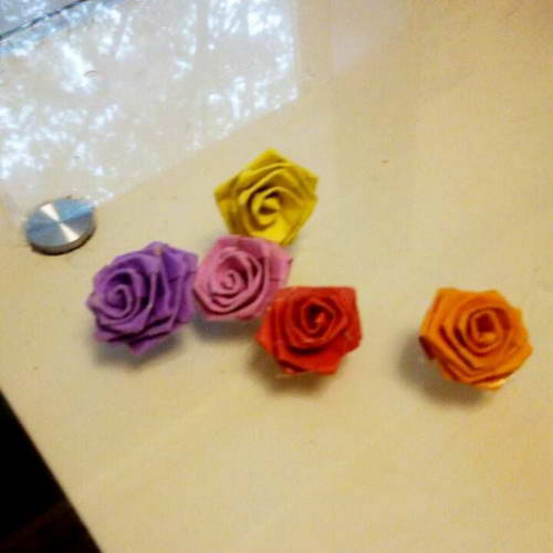 Small paper roses