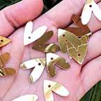 Sequins, Gold colour, 15mm x 20mm, 88 pieces, 5g, Heart shape, Sequins are shiny