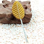 Rose leaf, Artificial fibers and wires, Gold colour, 11cm x 3cm (approximate), 10 pieces